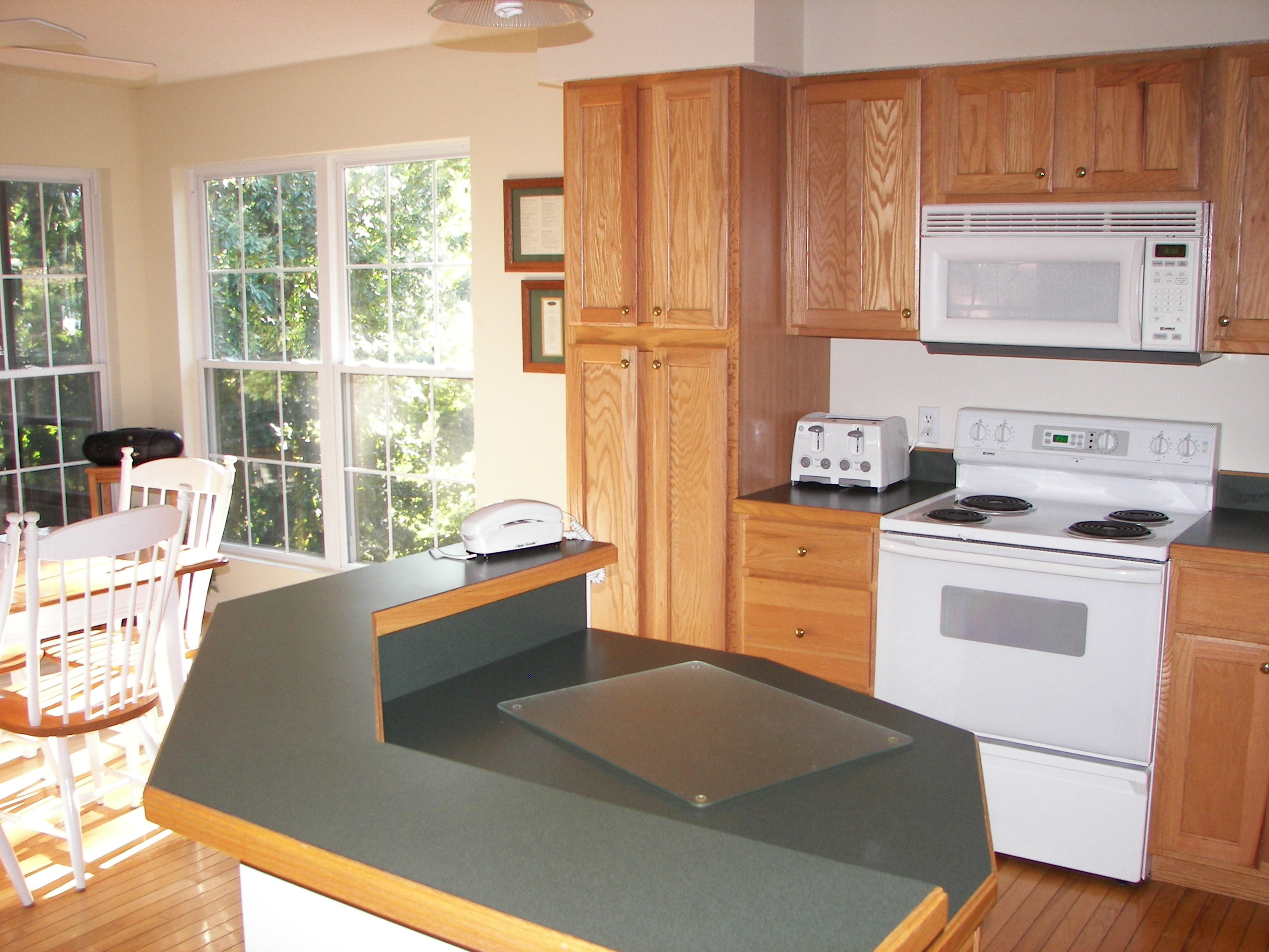 CoC-Updated-Photos/CoC-KitchenStove.jpg